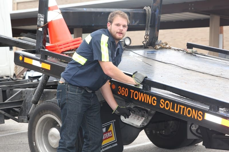 360 Towing Solutions - Flat Tire Change